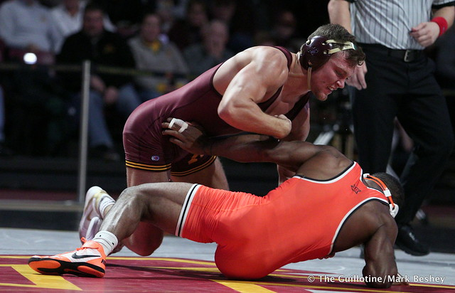 174: Jacobe Smith (Oklahoma State) maj. dec. #20 Devin Skatska (Minnesota) 11-2. 181118AMK0184