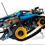 LEGO Technic 42095 Remote Controlled Stunt Racer 4