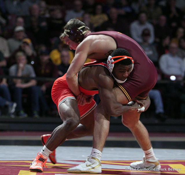 174: Jacobe Smith (Oklahoma State) maj. dec. #20 Devin Skatska (Minnesota) 11-2. 181118AMK0175