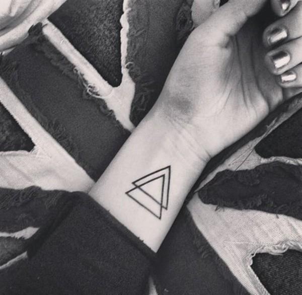 Tatuajes De Glifos Protección Y Poder En Tu Piel Mini Tatuajes