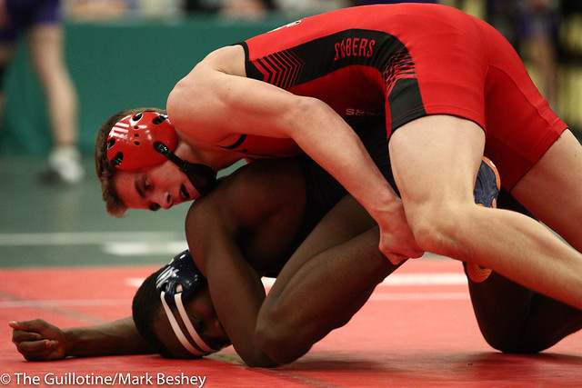 145 - Cole Malone (Shakopee) over Stephon Carr (Oak Park River Forest) Fall 3:46 - 180105emk0038