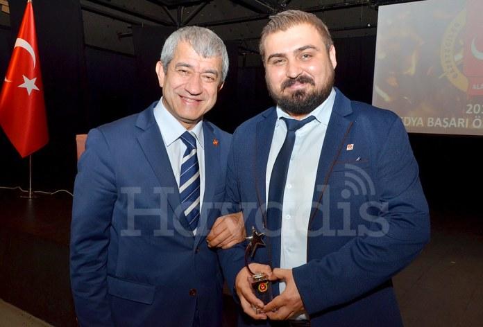 Mevlüt Yeni, Ali Akça