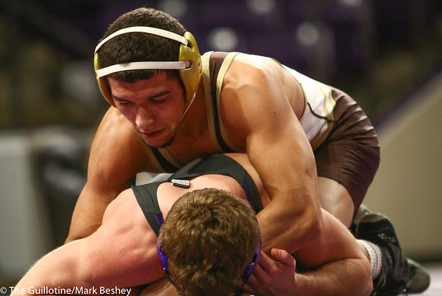 157: Cortez Arredondon (SMSU) wins a 3-1 decision vs Daniel Close (MSU) | 13-9 MSU - 190125mke-0067