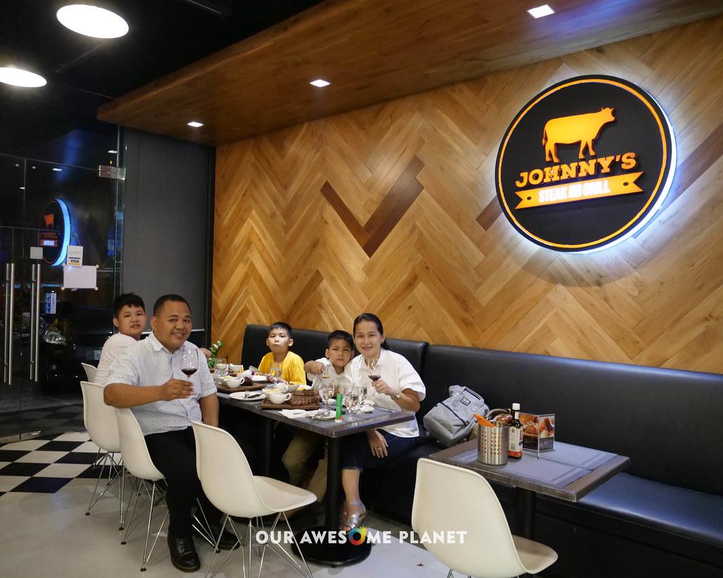 Johnny's Steakhouse-22.jpg