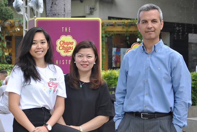 Chupa Chups Brand Manager Denise Opulencia, PVM Marketing and Trade Marketing Director, and Managing Director Gerard Orriols