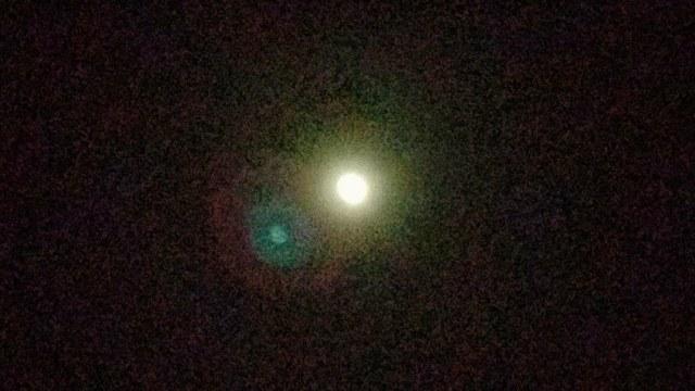 Lune pixellisée : comme un alas stellaire