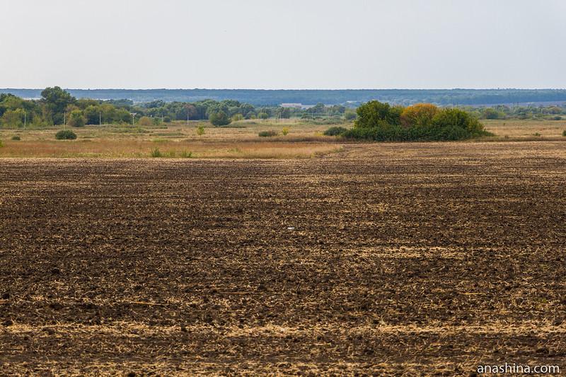 Распаханное поле, Саратовская область