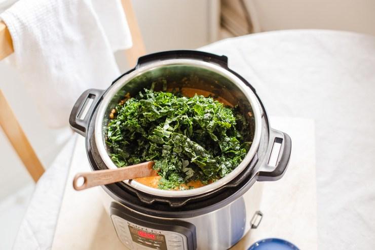 Instant Pot Black-Eyed Pea Soup