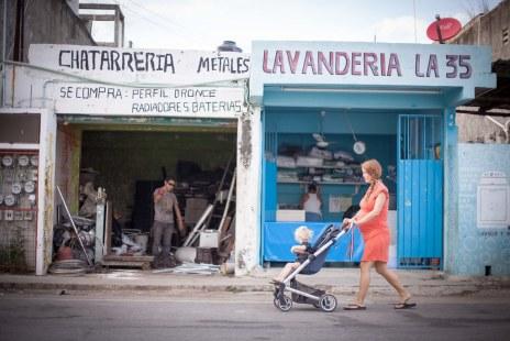 Pregnant in Mexico (2017)