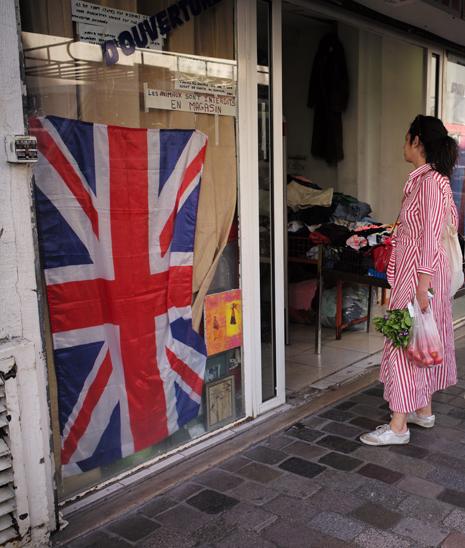 17f04 Bandera del Reino Unido en Aligre en tiempos del Brexit