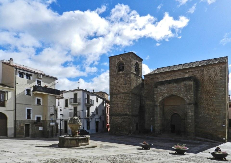 Iglesia de San Nicolas Plaza de San Vicente Ferrer Plasencia Caceres