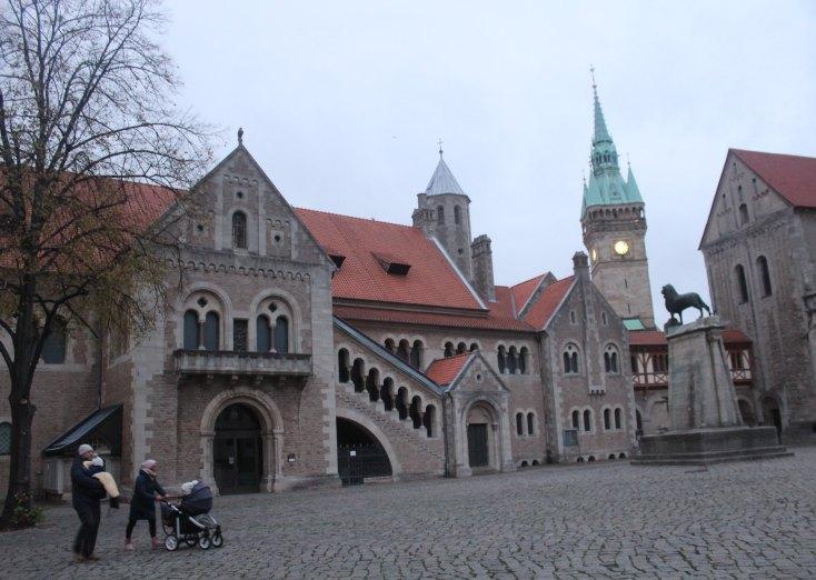 Burgplatz with its Brunswick Lion, Braunschweig, Germany
