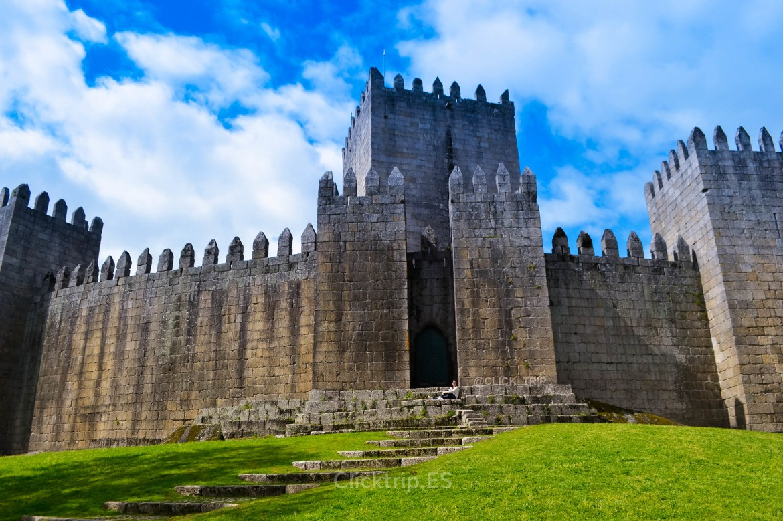 Ruta por Oporto y alrededores | Castillo de Guimarães | Oporto en 3 días | ClickTrip.ES