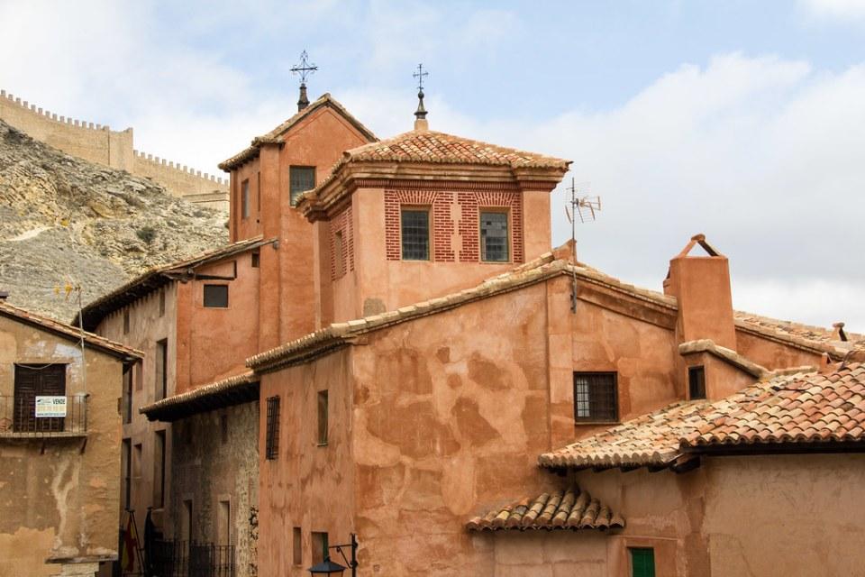 Casa de la Enseñanza calle de la Catedral Albarracin Teruel 01