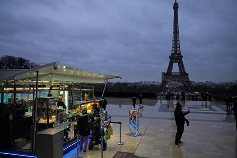 19a29 Trocadero Torre Eiffel_0012 variante Uti 485