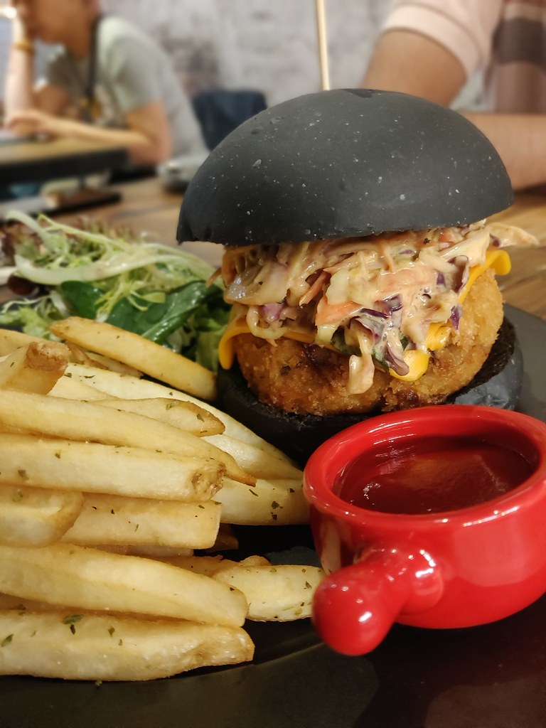 Vegan Crab Charcoal Burger Pop Vegan Hong Kong