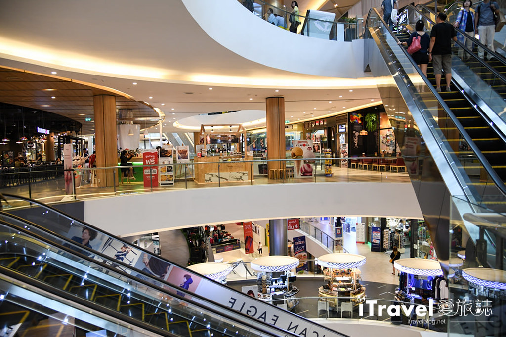 MAYA Lifestyle Shopping Center (12)