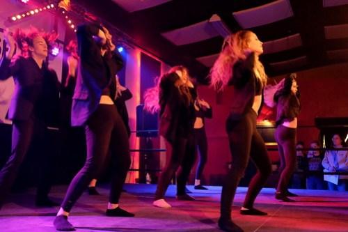 FMG Crew dansar vidare som Through the Borders