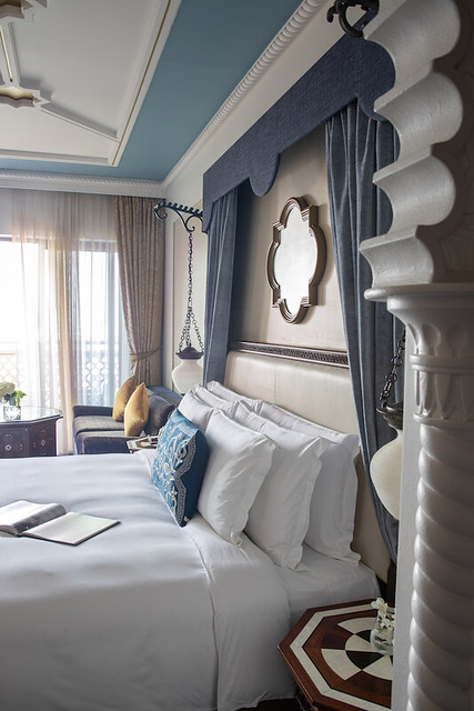 Jumeirah-Al-Qasr-Ocean-Deluxe-Bedroom-King
