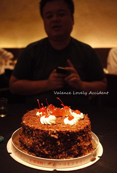 紅葉蛋糕。巧克力蛋糕好好吃!天母新光三越瓦城慶生 @ Valence。美好的意外 :: 痞客邦