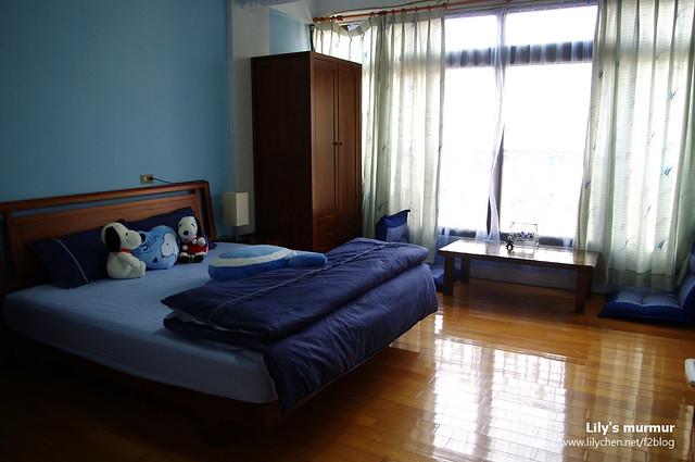 這是我們入住的房間,還算寬敞舒適,但價格其實可以更低一點。