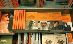 Osho books in Italian bookstore
