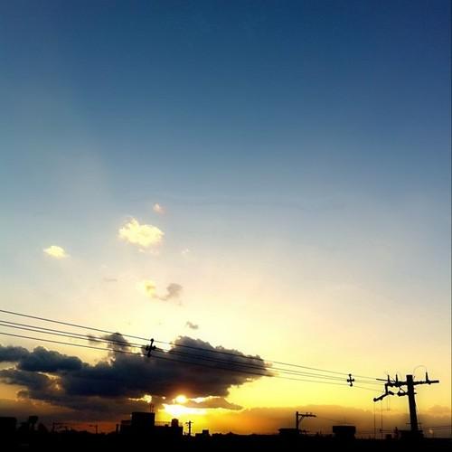夕焼けです。今日もおつかれさま。
