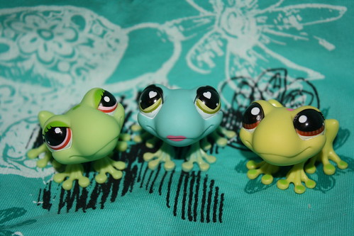 16/365- LPS Frogs