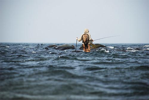 Frode har kommet seg ut på revet.           Foto: Fredrik Leth