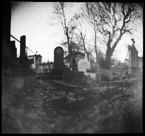 Cementerio Père Lachaise, Paris by Monigote Valencia