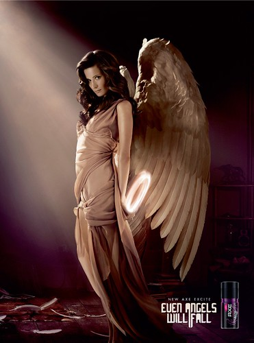 A24041_ELVIS_ANGELS_MAGDA_AXE_300x222.indd by doodle_juice