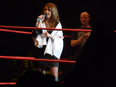 Dixie Carter thanking the fans