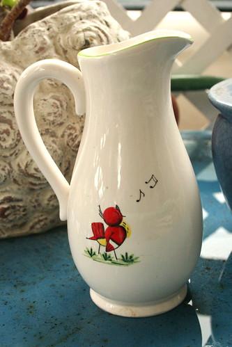 Vintage White Vase with Singing Bird