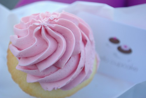 """Hello Cupcake """"Lucy"""""""