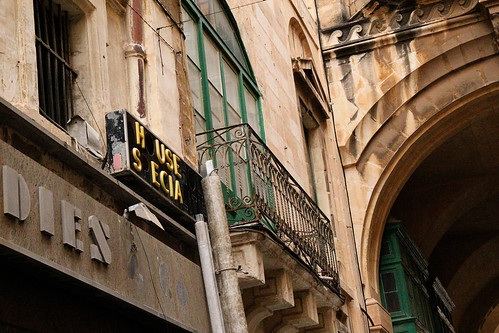 faded-signs-valetta