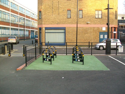 Cycle parking, Dalston