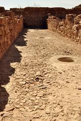 Masada  Magazin . Nach dem Aufräumen sieht der...