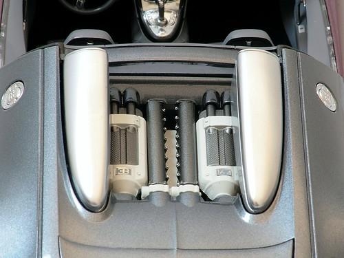 veyron_motore