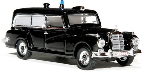 Rio MB 300 Ambul Poliz CH