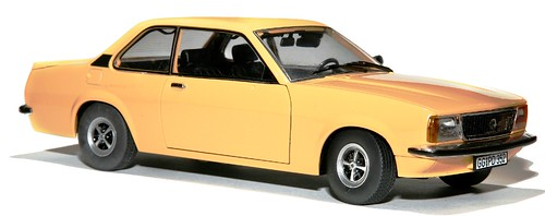 Sunstar Opel Ascona B