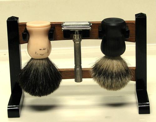 Shaving Stand 18