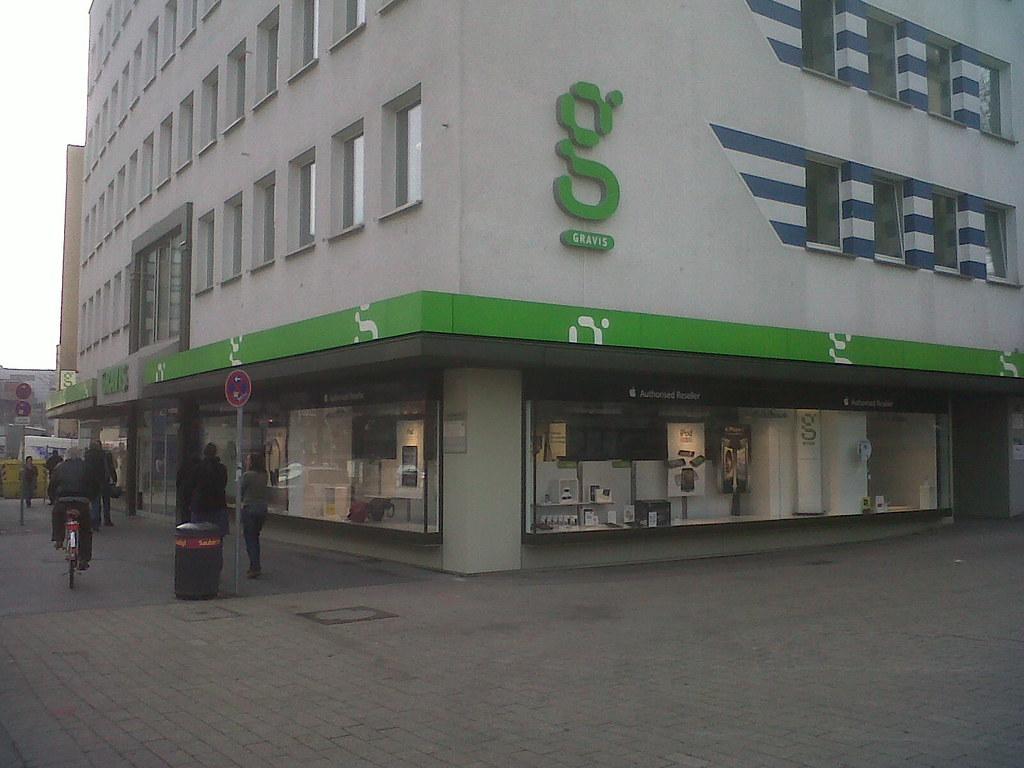 Bei Gravis in Dortmund, 9.39 Uhr