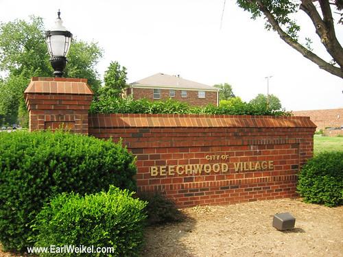 Beechwood Village Louisville KY Homes For Sale in 40207 the St Matthews Area 40207 by EarlWeikel.com