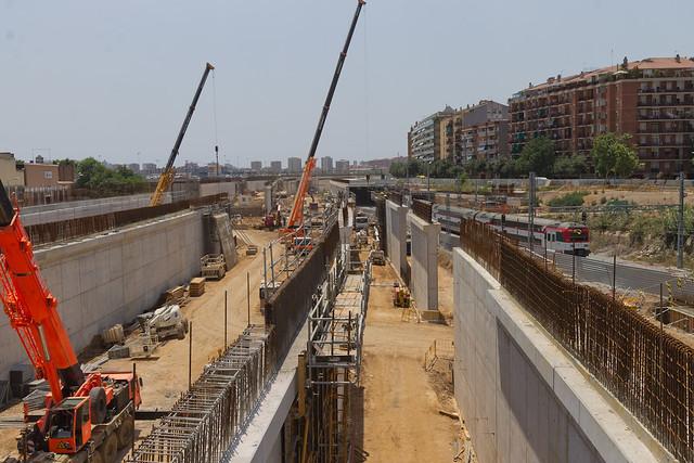 Formación de los viales en Pont Sant Adrià - Sur - 30-06-11