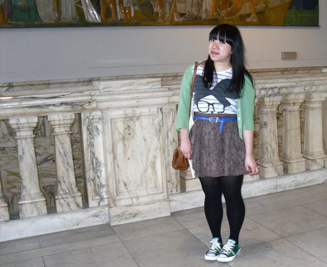v&a outfit