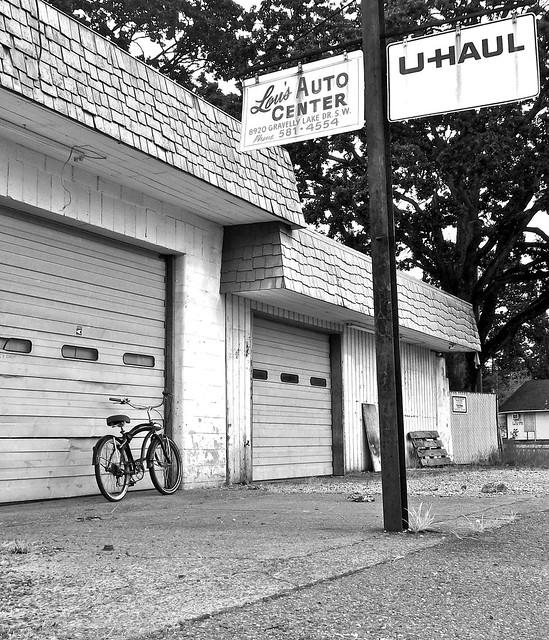 Lou's Auto Center 5