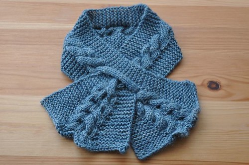 Cabled Keyhole Scarf.