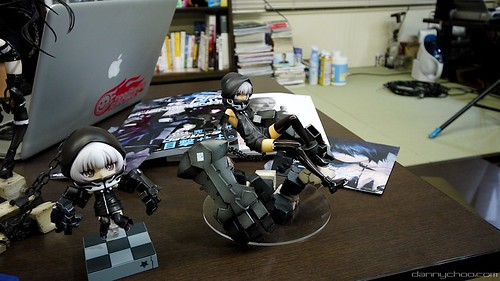 Nendoroid STR with her scaled figure counterpart