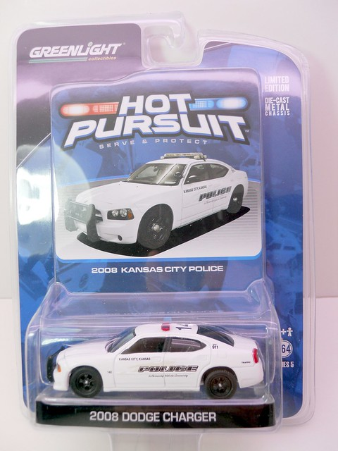 greenlight hot pursuit 2008 dodge charger kansas city police (1)