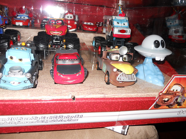 Disney Store CARS TOON 20 Car Set (7)